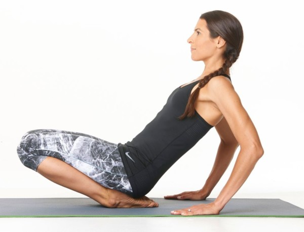 yoga-moves-toe-squat-to-ankle-stretch-yoga-74-1-1540416559